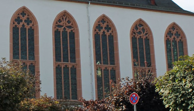 Detail of the North wall windows from Marie's photo of the Carmelite Church in Boppard